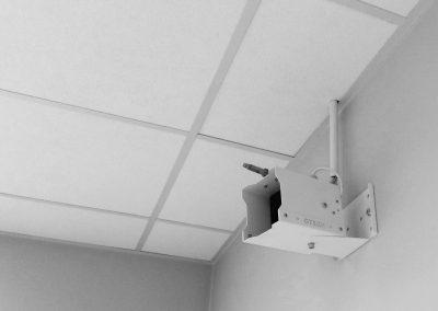 dyfuzor nawilżania powietrza w labolatorium biurze
